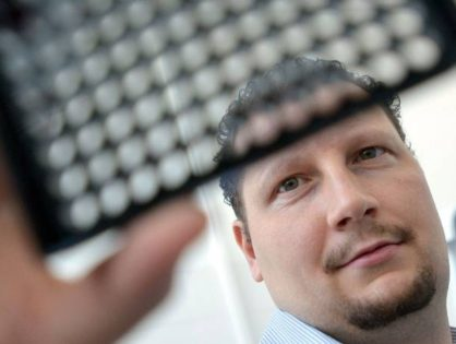 Szegedi bioinformatikai kutatást támogat a Facebook-vezér, Mark Zuckerberg alapítványa