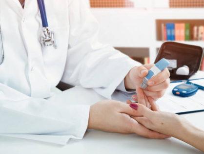 A cukorbetegek sebgyógyulását segítő készítményt fejlesztenek Szegeden